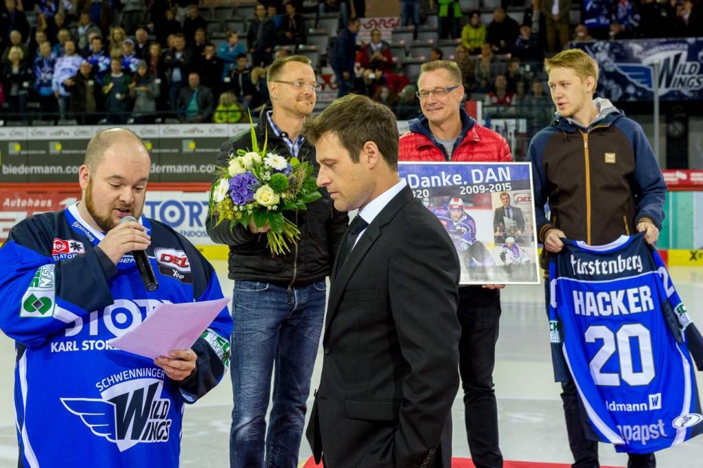 Verabschiedung von Wild Wings Spieler Dan Hacker. Bild: HagenFotoDesign